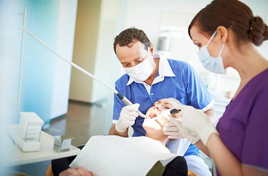 Dentaires, optiques, audition : zoom sur les variations de dépenses en France